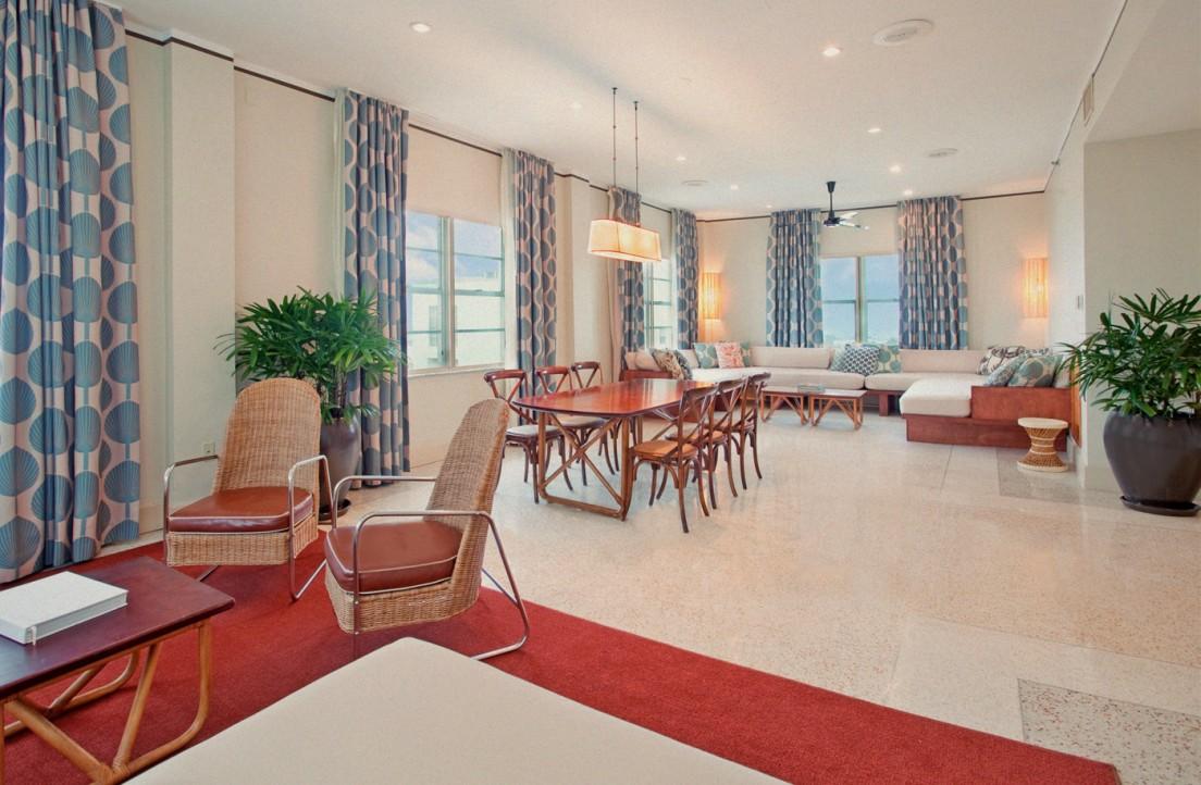 miami luxury hotel suites the raleigh miami beach. Black Bedroom Furniture Sets. Home Design Ideas
